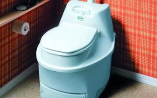 Туалетные вёдра, которые используются вместо стационарного туалета на даче — плюсы и минусы